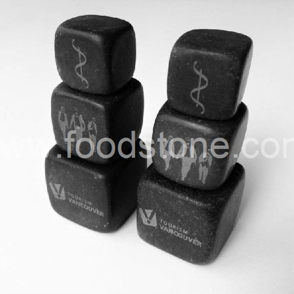 Engraving Whisky Cubes (1)